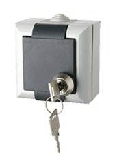 Dugalj  1-es vízmentes IP54 aljzat kulcsos csapófedéllel  GAO 9172H